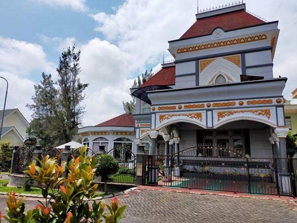villa kota bunga private pool