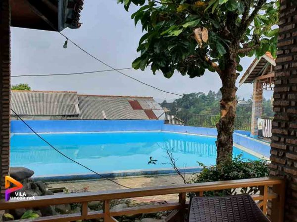 villa 2 Kamar Puncak Murah ada Kolam Renang