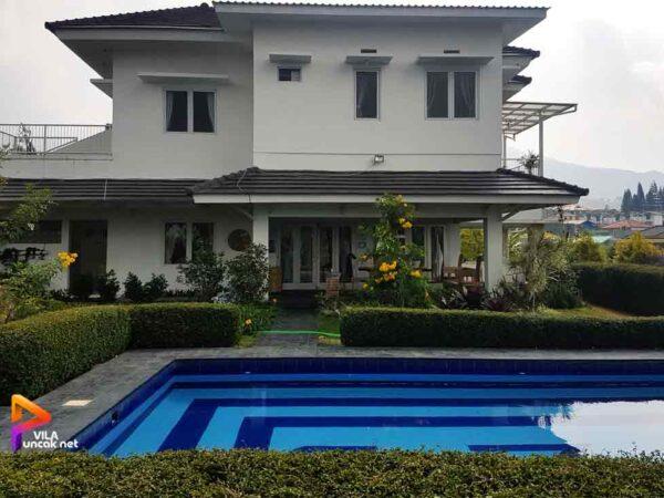 Villa Puncak 5 Kamar Murah ada Kolam Renang Pribadi