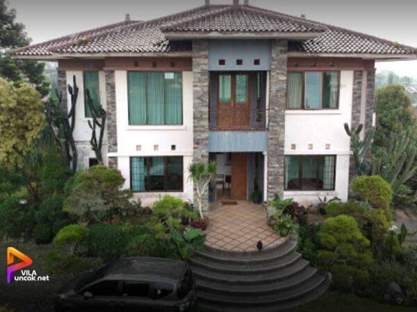villa murah di puncak kapasitas 40 orang